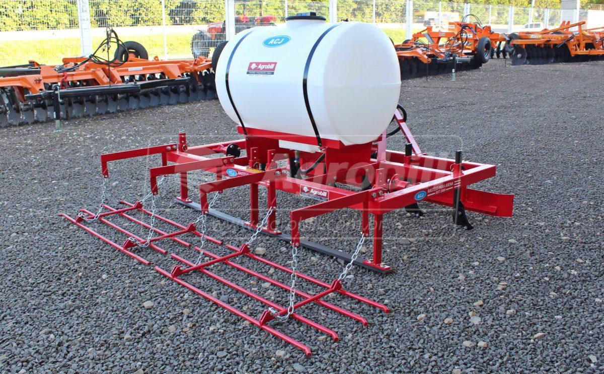 Rastelo para Arena / com Tanque de Água – ACJ > Novo - Rastelo para Arena - ACJ - Agrobill - Tratores, Implementos Agrícolas, Pneus