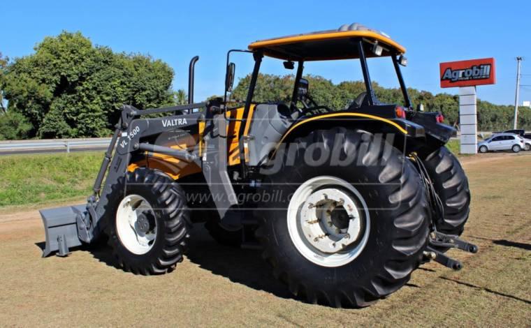 Trator Valtra BM 125 ano 2014 com Conjunto de lamina VALTRA modelo VL 1500 - Tratores - Valtra - Agrobill - Tratores, Implementos Agrícolas, Pneus