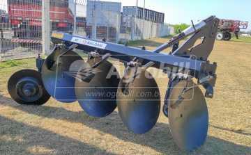 Arado Fixo 4 Discos 28″ / com Limpador Oscilante – Baldan > Novo - Arado de Discos e Aivecas - Baldan - Agrobill - Tratores, Implementos Agrícolas, Pneus