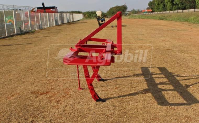 Cultivador Hidráulico 2 Hastes > Usado - Cultivadores - Personalizado - Agrobill - Tratores, Implementos Agrícolas, Pneus