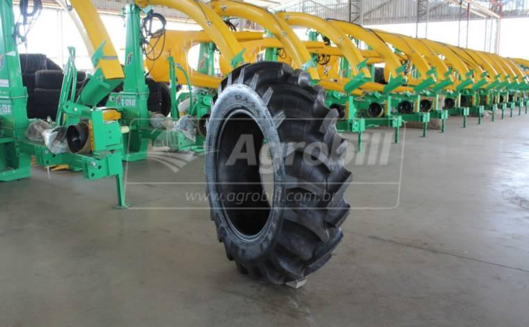 Pneu 12.4×24 / 10 Lonas – Pirelli – TM 95 > Novo - 12.4x24 - Pirelli - Agrobill - Tratores, Implementos Agrícolas, Pneus