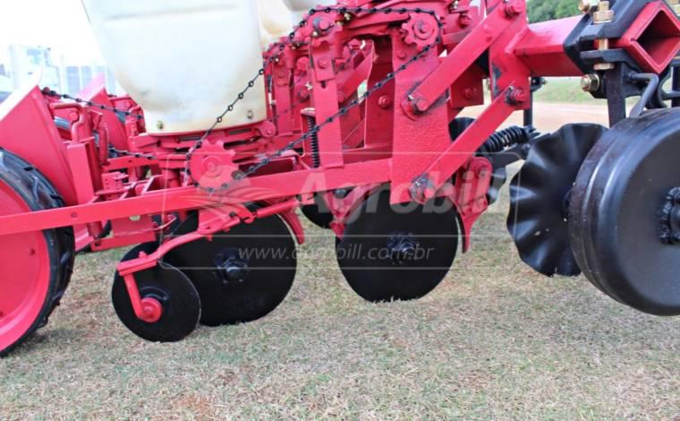 Plantadeira JM 2040 4 Linhas – Jumil > Usada - Plantadeiras - Jumil - Agrobill - Tratores, Implementos Agrícolas, Pneus