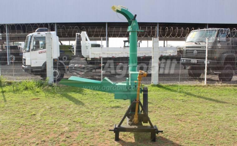Ensiladeira EN-6800 – Nogueira > Usada - Ensiladeira - Nogueira - Agrobill - Tratores, Implementos Agrícolas, Pneus