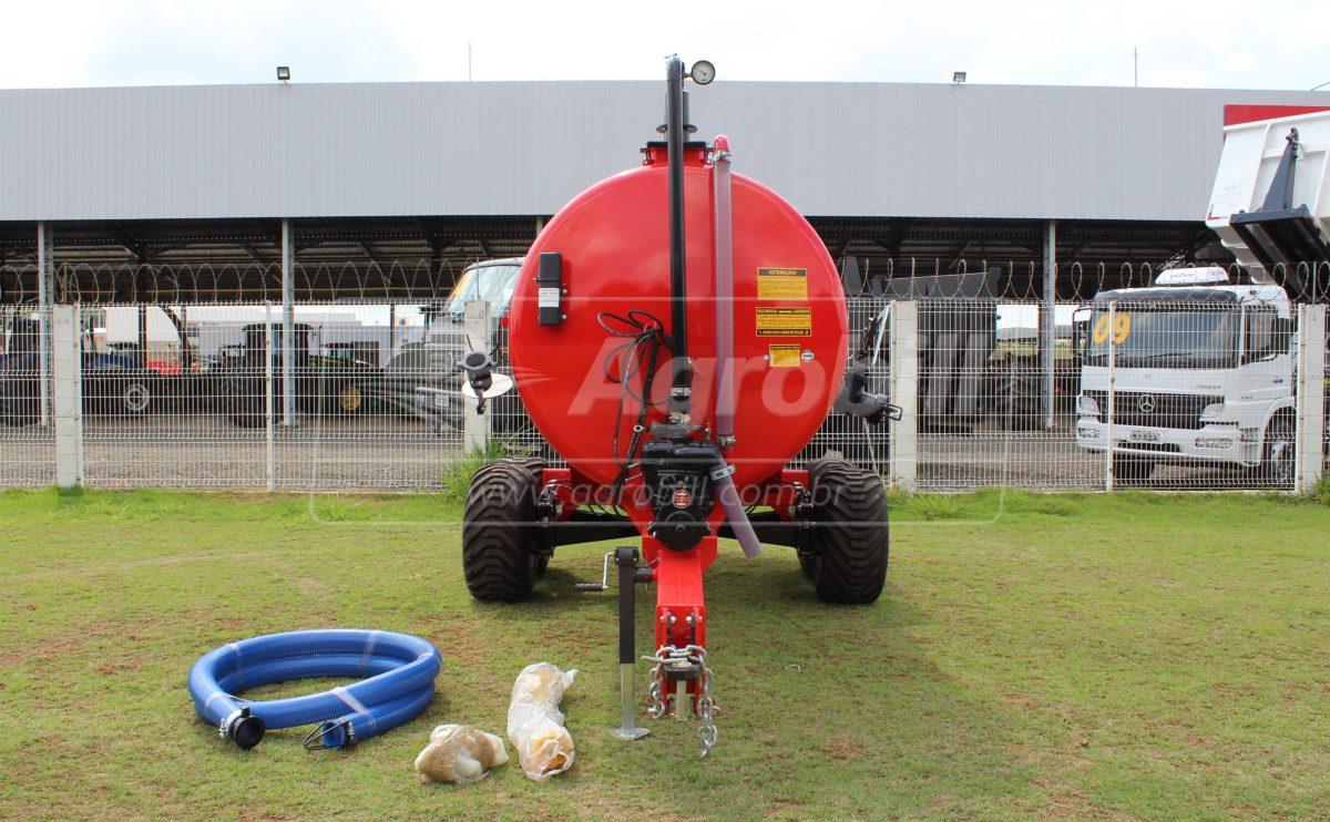Distribuidor de Adubo Orgânico à Vácuo 8000 L / sem Pneus – São José > Novo - Distribuidor de Esterco - São José - Agrobill - Tratores, Implementos Agrícolas, Pneus
