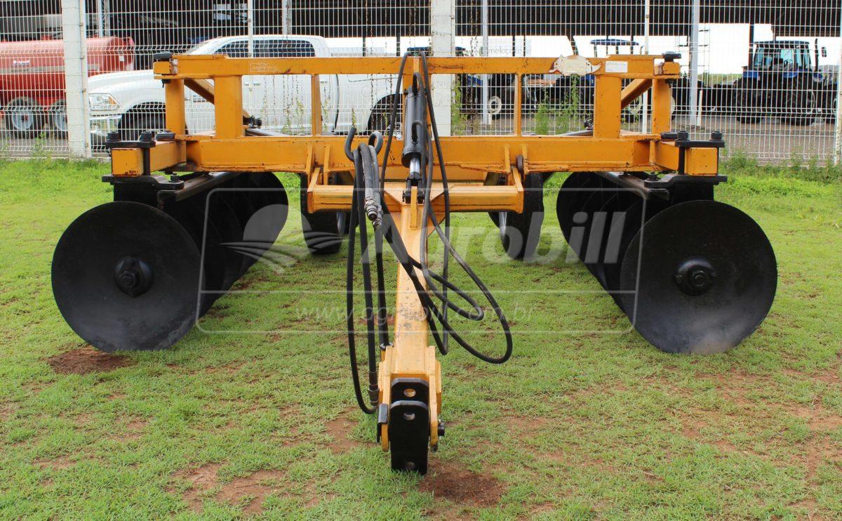 Terraceador de Arrasto TSTA 14 Discos – Tatu > Usado - Terraceador - Tatu Marchesan - Agrobill - Tratores, Implementos Agrícolas, Pneus