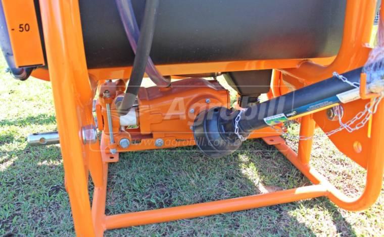 Pulverizador de Barras 600 litros 12 m / Abertura Manual / Bomba 75 LPM – MGA > Novo - Pulverizadores - MGA - Agrobill - Tratores, Implementos Agrícolas, Pneus