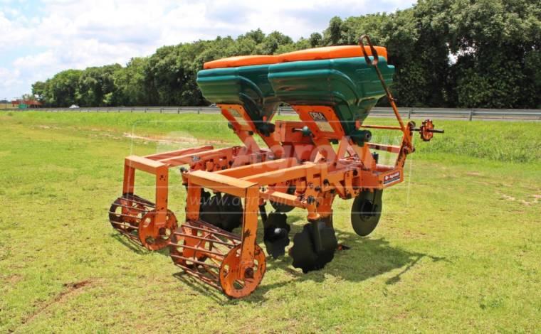 Cultivador de Cana Para Cana Crua – Dria > Usado - Cultivadores - Dria - Agrobill - Tratores, Implementos Agrícolas, Pneus