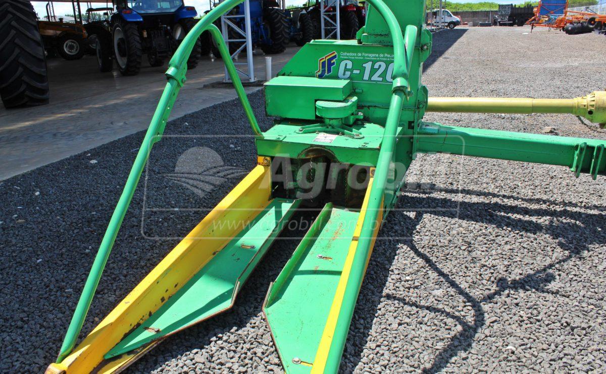 Colhedora de Forragens JF C120 / Cardan / Manual – JF > Usada - Forrageira - JF - Agrobill - Tratores, Implementos Agrícolas, Pneus