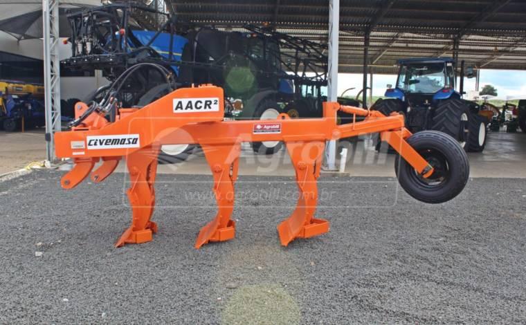 Arado de Aivecas Reversivel AACR-3M / Placa de Polietileno – Civemasa > Novo - Arado - Civemasa - Agrobill - Tratores, Implementos Agrícolas, Pneus