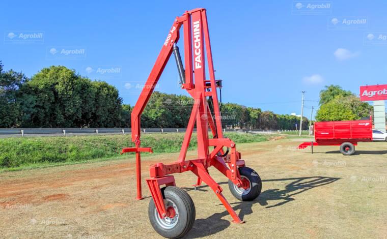 Guincho p/ Big Bag 2.000 kg / Hidráulico Giratório / com Pneus / Roda louca – Facchini > Novo - Guincho Agrícola - Facchini - Agrobill - Tratores, Implementos Agrícolas, Pneus
