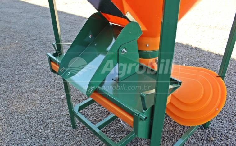 Misturador de Ração balanceada 500 kg / Polietileno / sem Motor – Incomagri > Novo - Misturador de Ração - Incomagri - Agrobill - Tratores, Implementos Agrícolas, Pneus