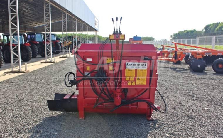 Vagão Misturador Hidráulico VFMH 2.2 m³ – Ipacol > Usado - Vagão Misturador - Ipacol - Agrobill - Tratores, Implementos Agrícolas, Pneus