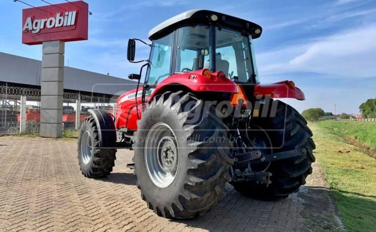 Trator Massey 7140 4×4 ano 2014 em otimo estado, com 1875 horas de uso original - Tratores - Massey Ferguson - Agrobill - Tratores, Implementos Agrícolas, Pneus