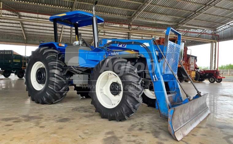 Trator New Holland 7630  4×4 ano 2018 Semi novo, equipado com conjunto de lamina TATU - Tratores - New Holland - Agrobill - Tratores, Implementos Agrícolas, Pneus