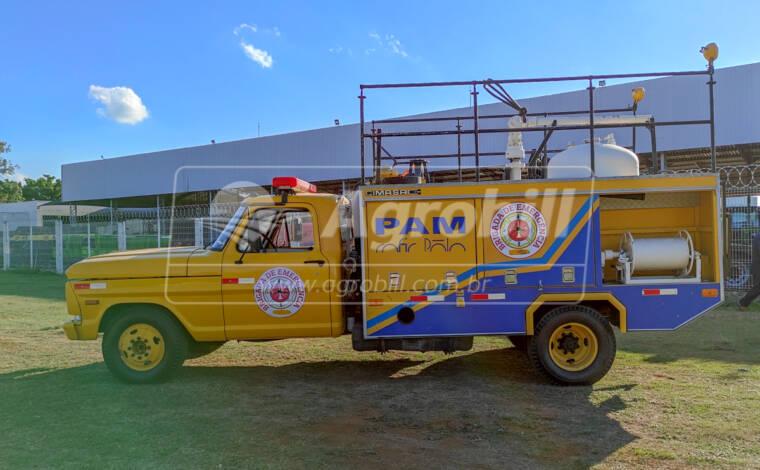 Caminhão Ford F4000 4×2 Ano 1992 Bombeiro > Usado - Caminhões - Ford - Agrobill - Tratores, Implementos Agrícolas, Pneus