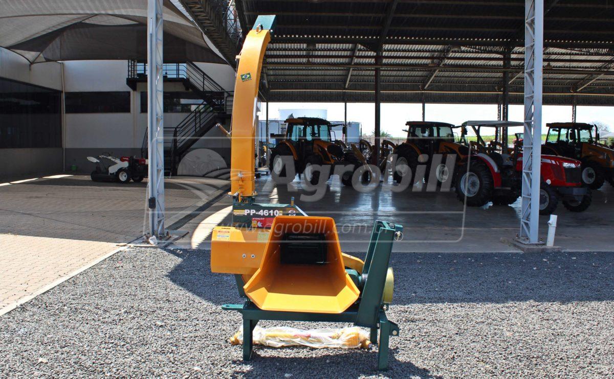 Ensiladeira / Picadeira PP-4610 / para trator AT 90º / com Afiador – Pinheiro > Nova - Ensiladeira - Pinheiro - Agrobill - Tratores, Implementos Agrícolas, Pneus
