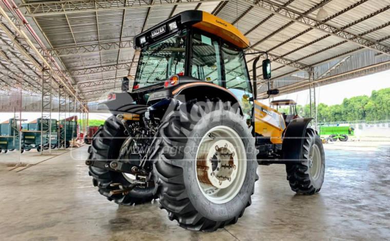 Trator Valtra BM 100 R 4×4 ano 2018 semi novo c/ 409 horas e Redutor de Velocidade - Tratores - Valtra - Agrobill - Tratores, Implementos Agrícolas, Pneus