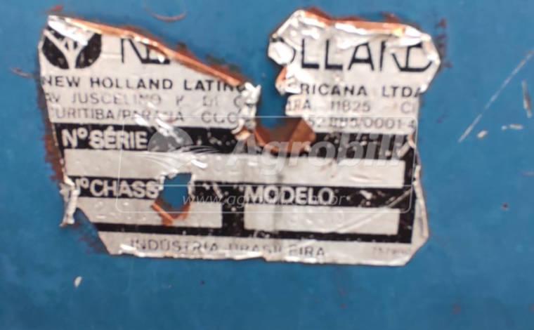 Trator New Holland 8830 4×4 ano 1993 com pintura original - Tratores - New Holland - Agrobill - Tratores, Implementos Agrícolas, Pneus