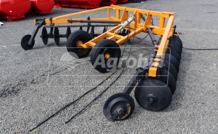 Terraceador de Arrasto 16 Discos – Tatu > Usado - Terraceador - Tatu Marchesan - Agrobill - Tratores, Implementos Agrícolas, Pneus