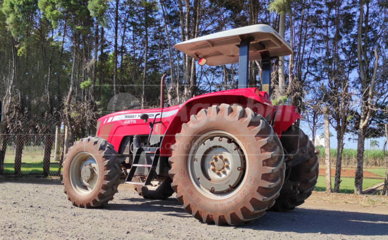 Trator Massey 4275 4×4 ano 2012 (em ótimo estado) - Tratores - Massey Ferguson - Agrobill - Tratores, Implementos Agrícolas, Pneus