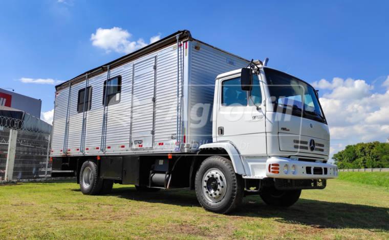 Caminhão Mercedes Benz 1718 4×2 Ano 2009 Equipado com Baú Oficina > Usado - Caminhões - Mercedes-Benz - Agrobill - Tratores, Implementos Agrícolas, Pneus