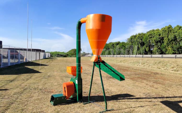 Triturador de Milho TIN 3 / com Ciclone / Kit Calha – Incomagri > Novo - Moinho - Incomagri - Agrobill - Tratores, Implementos Agrícolas, Pneus