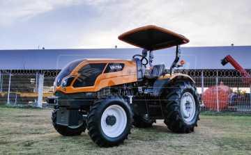 Trator Valtra A 63F 4×4 ano 2021 com Redutor de Velocidade e comando triplo - Tratores - Valtra - Agrobill - Tratores, Implementos Agrícolas, Pneus