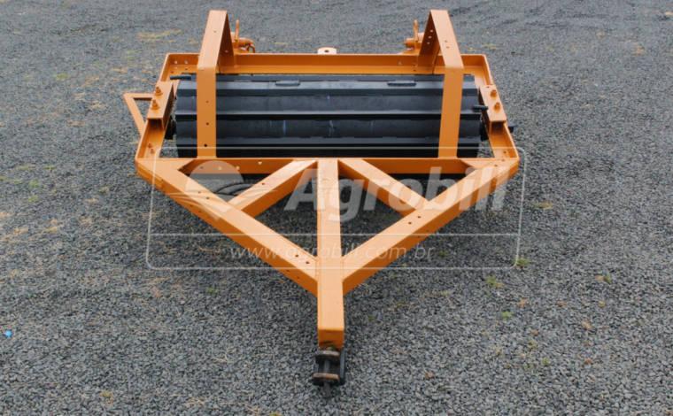 Rolo Faca com 1,80 m de Largura de Trabalho > Usado - Rolos Destorroador / Rolos Faca - Personalizado - Agrobill - Tratores, Implementos Agrícolas, Pneus