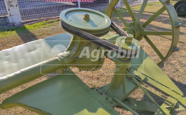 Roçadeira de Arrasto > Usada - Roçadeira - Personalizado - Agrobill - Tratores, Implementos Agrícolas, Pneus