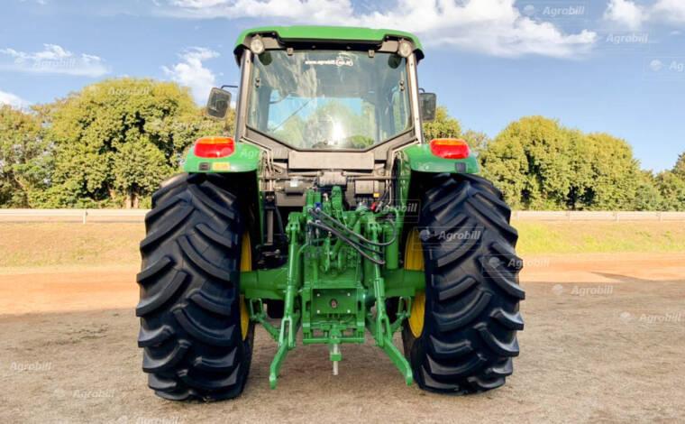 Trator John Deere 6100 J 4×4 ano 2017 c/ 286 horas semi novo com Conjunto de Lamina TATU. - Tratores - John Deere - Agrobill - Tratores, Implementos Agrícolas, Pneus