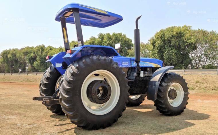 Trator New Holland 7630  4×4 ano 2012 c/ Creeper ( redutor de velocidade) - Tratores - New Holland - Agrobill - Tratores, Implementos Agrícolas, Pneus