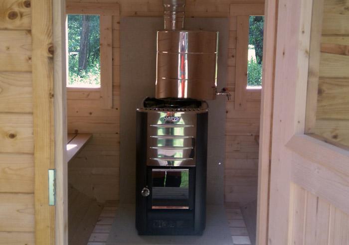 sauna-exterieur-poele-bois-tonneau-agrobois