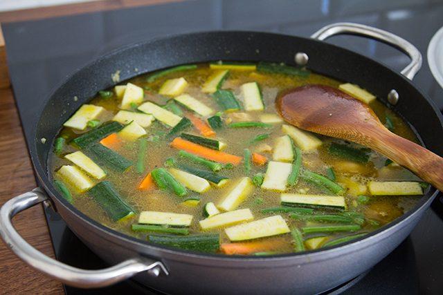 Pollo al curry-la-verduras-con-6-