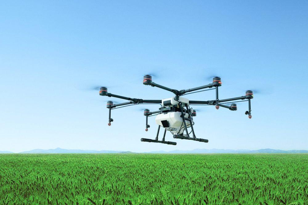Компания DJi выпустила два новых дрона для аграриев