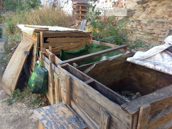 Hacer compost en el huerto