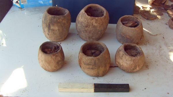Vasijas de barro utilizadas para el riego - eco-antropologia.blogspot.com