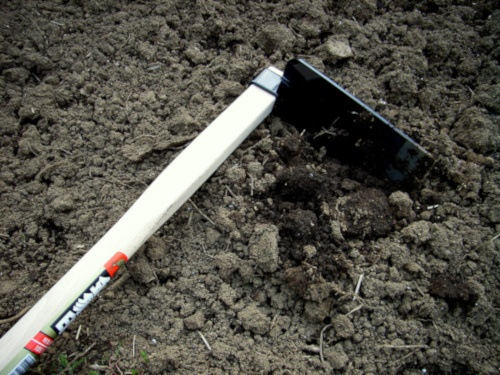 Azada para cavar huerto