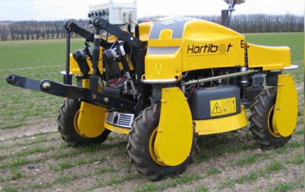 Robot Agrícola autónomo con motor de gasolina