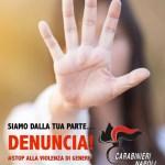 Il Comando Provinciale Carabinieri di Napoli espone in ogni caserma un poster contro la violenza di genere.