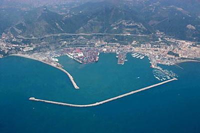 Porto_Salerno_alto_costa