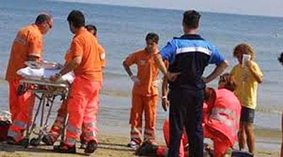 malore_spiaggia_soccorsi_mare