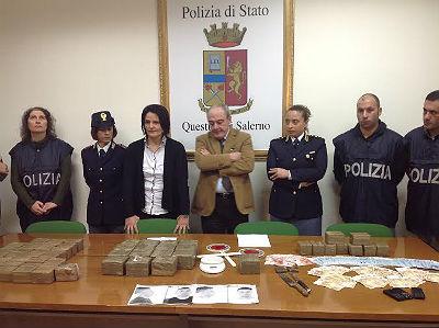 polizia_arresti_droga_natale_soldi_5