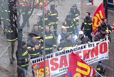 Protesta_Vigili_del_Fuoco_precari_2
