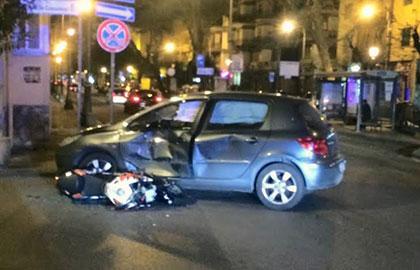 Incidente_auto_moto_Via_Posidonia_1