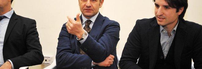 SAL - 22 01 2016 Salerno Centro Sociale. Dibattito per decisione Sindaco del Movimento 5 Stelle. Nella foto da six nicola provenza, dante santoro. Foto Tanopress