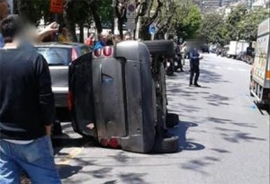 Incidente_smart_ribaltata_1