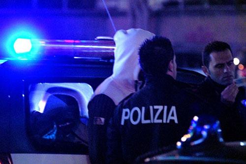 polizia_notte_arresto