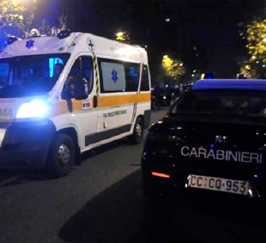 ambulanza-carabinieri-notte-100