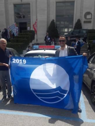 foto bandiera blu 2019 - vicesindaco Benevento (1)