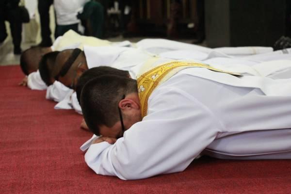 sacerdote-2076108_960_720